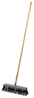 Gardena  17204-20 ClassicLine -brush for sweeping the street with a handle FSC 100%