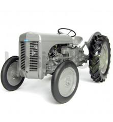 Massey Ferguson TE 20 Universal Hobbies 2690