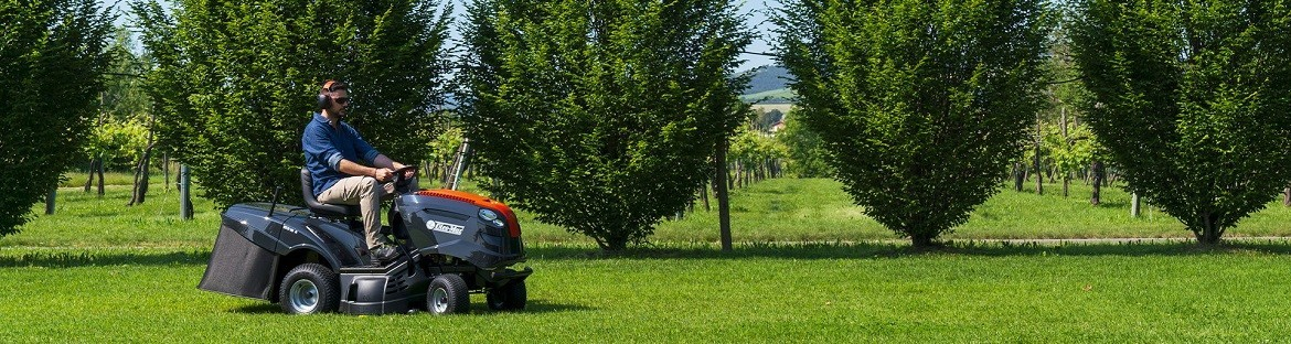 A wide range of garden tractors from renowned brands - good prices